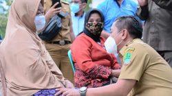 Wabup Karawang Salurkan Bantuan Sembako dan Santunan Anak Yatim Piatu Di Batujaya