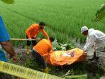 Diduga Korban Pembunuhan, Mayat Wanita Setengah Telanjang Ditemukan di Parit Sawah